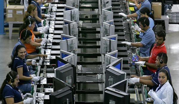 Propone el CEEN una estrategia de reindustrialización acelerada de México